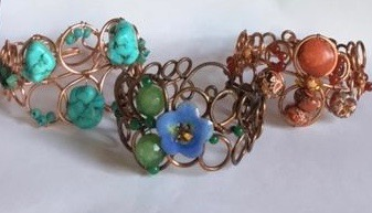 Loopy Loo Graduated Wire Bracelet