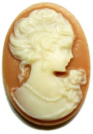 25x18mm Oval Fashion Cameo - Ladys Head in Cream on Tan - Pack of 2